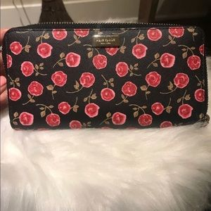 ♠️ NWT Kate Spade Neda Laurel Way Wallet♠️